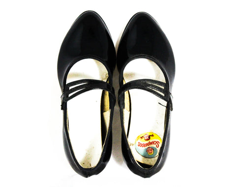 Girl's Size 8.5 Shoes - 1950s Mary Janes - Glossy Black Faux Patent Leather - 50s Pointed Toe Child's Shoe with Triple Strap - NIB Deadstock