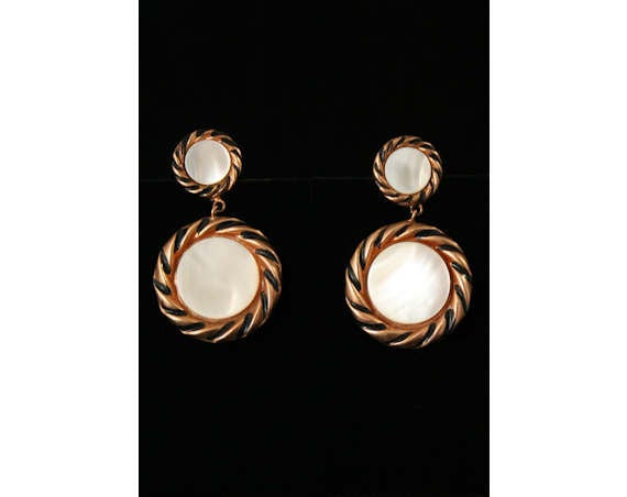 Rockabilly Style 50s Copper & Shell Earrings - 1950s Round Metal Clip Earring - Modernist - Deadstock - Mint Condition - 40134-1