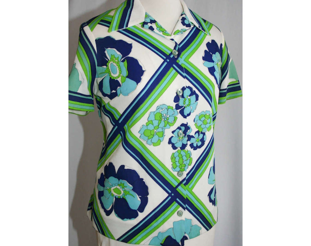 Large 60s Shirt - Navy & Lime Floral Lattice Polyester Top - Size 14 Blue and Green Short Sleeved 1960s Casual Blouse - Bust 42 - 31728