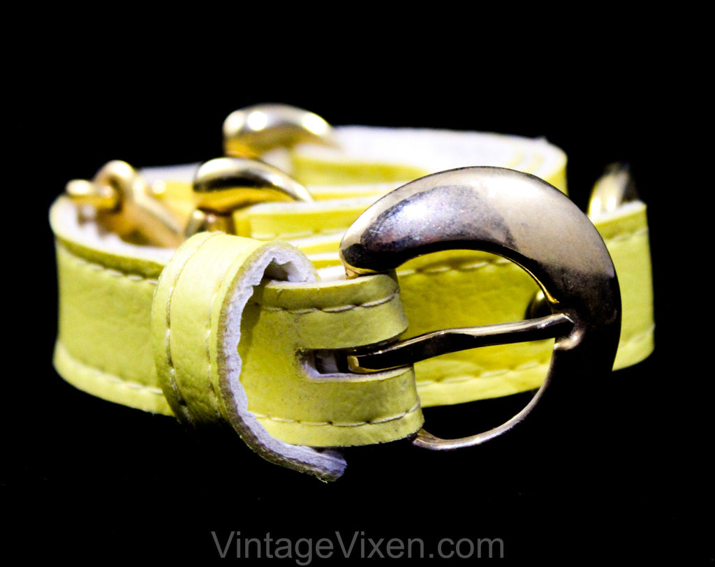 Medium 1960s Belt - Banana Yellow Vinyl Belt with Brass Buckle & Horse Bits - Size 8 to 12 Mod 60s Belt - Chic Spring Summer Resort Style
