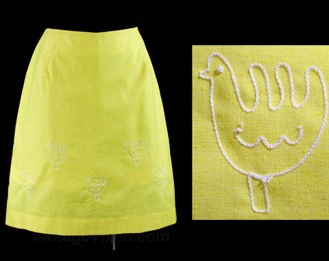 Size 8 Chickens Sport Skirt - Yellow Cotton & Chain Stitching - Folksy 60s Summer Casual Wear - Medium 1960s Preppy A-Line - Waist 27