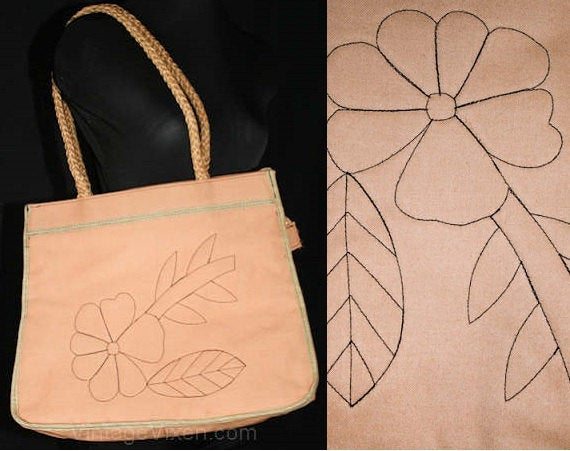 Hippie Chic 1970s Purse - Taupe Daisy-Stitched Canvas Tote - Large Summer Boho Handbag - Authentic 70s - Natural Rope - Vinyl - 39428-1