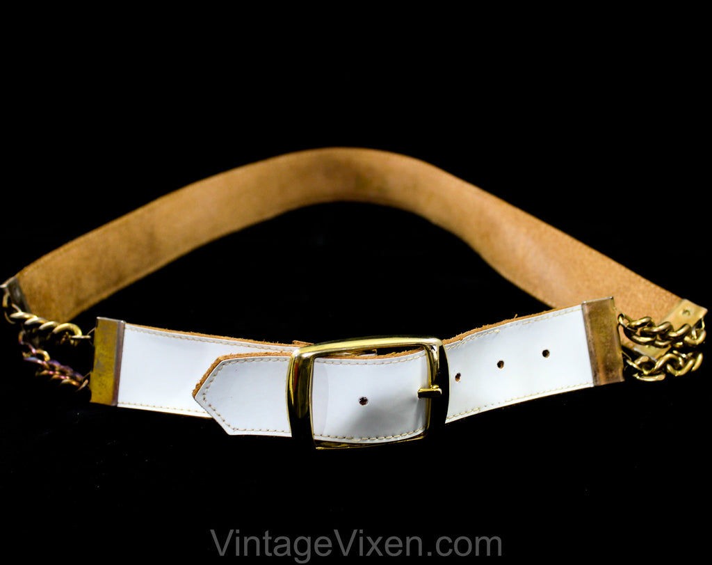 Size 10 1960s White Belt with Chain Accents - Glossy 60s Vinyl & Leather with Mod Metal Buckle - Brass Chainlink - Medium - Waist 28 to 30