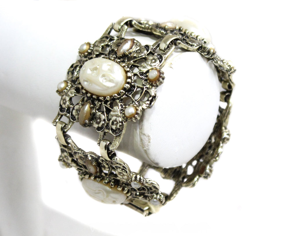1950s Victorian Inspired Bracelet - 50s Baroque Faux Pearls Panel Bracelet - Antique Look Filigree Metal - White Gold Champagne - 50451