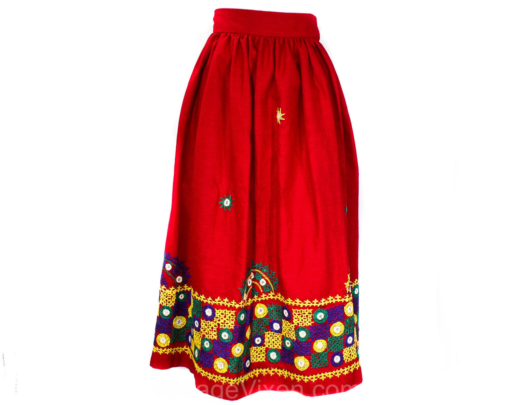 Large 1940s Peasant Skirt - Size 12 Red Cotton Dirndl Style Folk Full Skirt with Embroidered Border Pattern - 40s 50s Casual - Waist 31