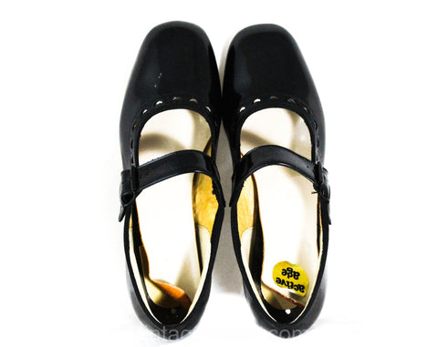 Size 1 1/2 Girl's Mary Jane Shoes - Authentic 1950s 60s Little Girls Black Patent Leather Look Vinyl - Child Size 1.5 C - 50s Deadstock NIB