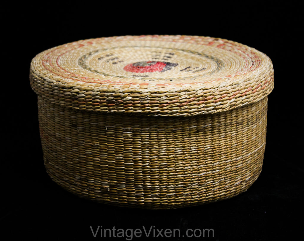 "1930s 40s Korean Basket with Lid - Asian Tan Woven Reeds - Yin Yang Style Natural Vegetable Dyes - Eastern Round Container 9 1/2"" Diameter"