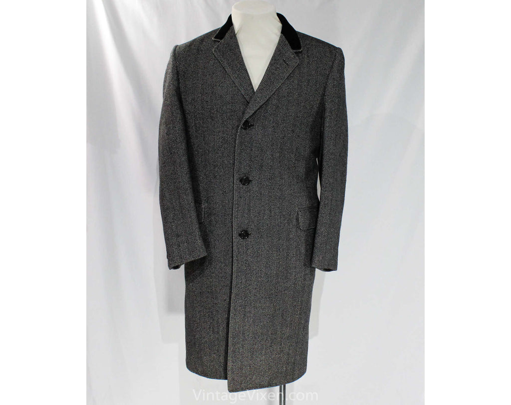 Large Men's Tweed Coat with Black Velveteen Collar - Ultra Fine Label 1950s Mens Wool Outerwear - Gray Herringbone 50s OverCoat - Chest 44