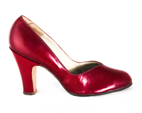 Size 4.5 1940s High Heel Shoes - Unworn Ruby Red WWII Era Pumps with Round Toe - Sexy Pin Up Girl's 40s 50s Deadstock - 4 1/2 and 5 Mismatch