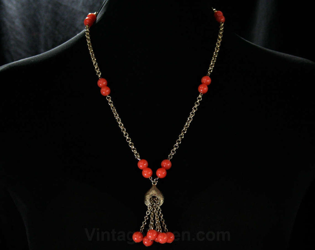 Faux Coral Lariat Style Necklace - Pretty 1960s Summer Resort Jewelry - Orange Plastic Beads - Metal Chain Tassel - 60s Jewelry - 44293
