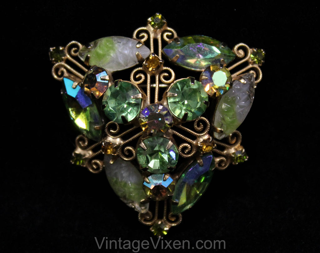 1950s Juliana Brooch - Peridot Green Rhinestones & Givre Glass Stones - 50s 60s Flashy Triangular Pin - Designer Delizza and Elster - 50553