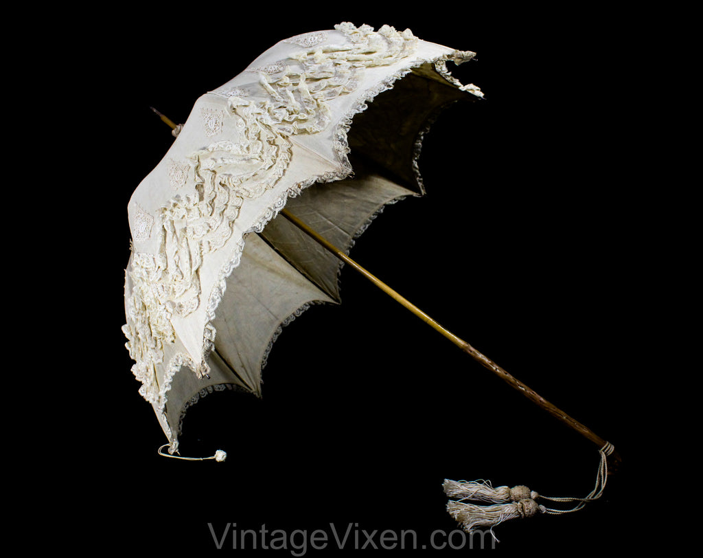Antique Umbrella - 1890s 1900s Victorian Edwardian Parasol - Neutral Linen Lace & Burled Wood - Beautiful and Authentic Gibson Girl Style