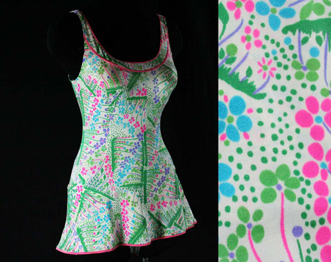 Size 6 to 10 Cute 1970s Swimsuit - Pink & Blue Flower Garden Green Grass Print Bathing Suit - Bust Support - Skirted - Modesty Panel