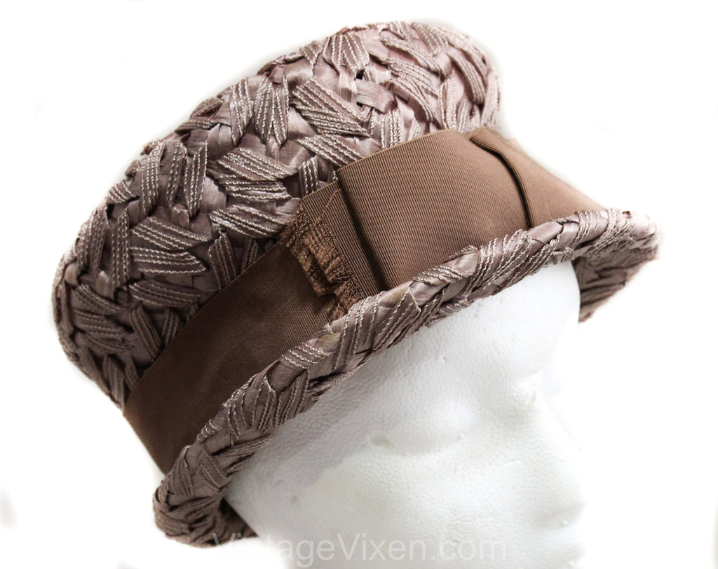 1960s Brown Ladies Hat - Neutral Beige Bucket Bowl Shaped 60s with Bow - Classic Faux Raffia Millinery - 1920s Inspired Cloche - Spring Fall