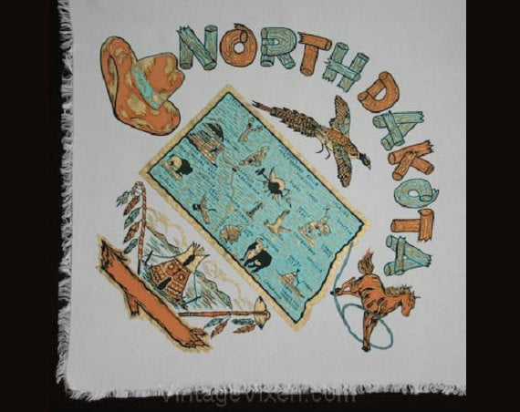 Kitsch 1950s 'North Dakota' Souvenir Scarf - Tourist Map Western Cowboy - Metallic Gold Screen Print - Rockabilly 50s Rodeo - Mint Condition