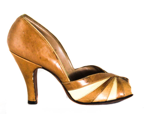 Size 5 1950s Shoes - As Is Toffee Leather high Heels with Radiant Twist Design - Open Toe 40s 50s Beige Tan Brown Pumps - 5B Deadstock