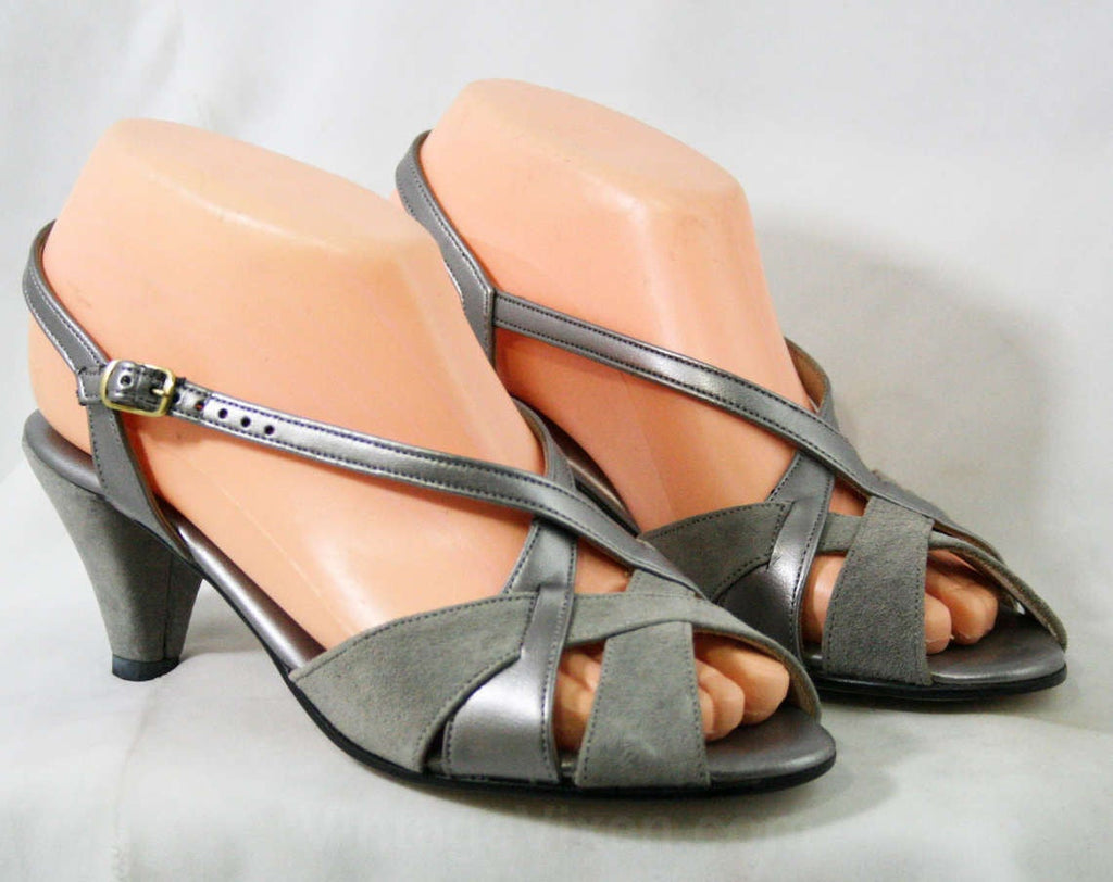 Deco Style 70s Sandals - Size 7 M - Metallic Silver & Gray Suede 1970s Shoes - Deadstock - Peep Toe - Slingback - Hush Puppies - 43219-1