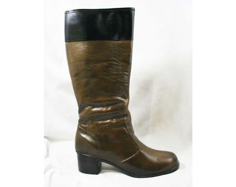 Size 9 Brown Boots with Black Rim - Waterproof Rubber - Sophisticated 1960s Street Style - Color Block - Lined - Unworn Deadstock 60s Shoes