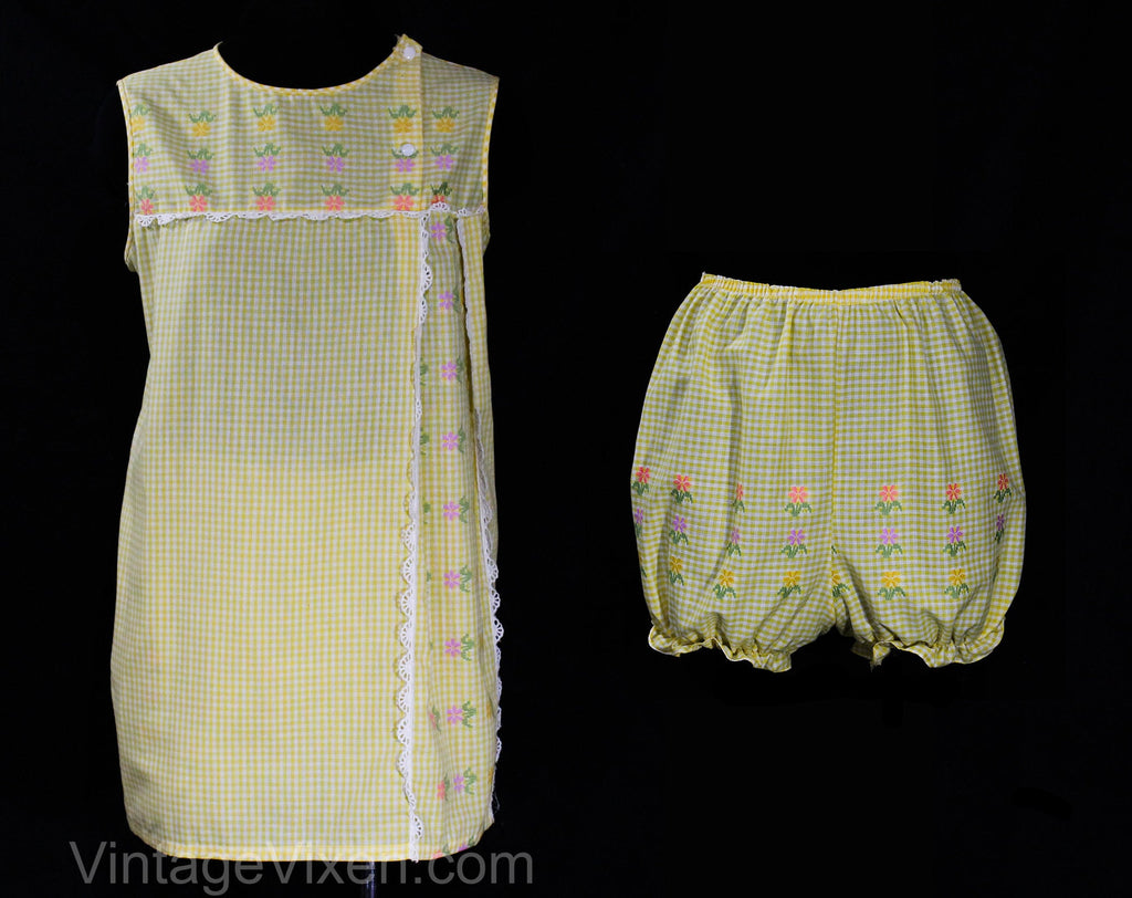 Size 10 1960s Pajama Set - Yellow Daisy Cotton Gingham - 60s Sleeveless Spring Summer PJ Top & Bloomer Panty - Pastel Daisies - Hip 38.5