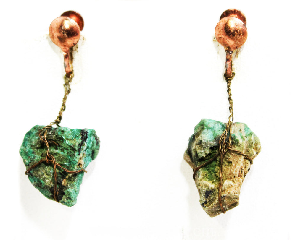 50s Turquoise Artifact Earrings - Artisan Made 1950s Mid Century Primitive Southwest Screwbacks in Copper Brown Metal - Nugget Ore Stones