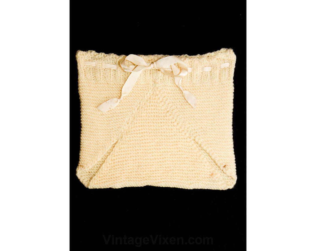 Quaint 1930s Wool Knit Diaper Cover - Size 6 to 9 Months - Infants - White - Depression Era - 30s - Baby Accessories - Unisex - 37087-1