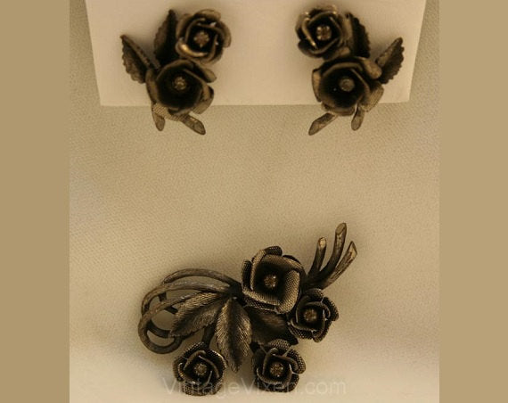 Romantic 1950s Antique Inspired Roses Pin & Earrings - Dark Silvertone Metal - 50s Demi Parure - Clip Earrings - Classic Victorian - 34037-1