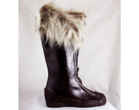 Size 7 Waterproof Boot with Faux Fur Cuffs - Dark Brown 60s Boots - Zip Front Water Proof Rubber - Fleece Lined - 1960s 70s Deadstock
