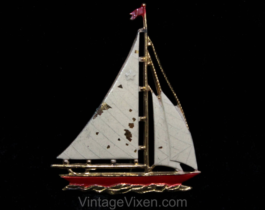 Sailboat Pin - 1940s 50s Novelty Seaside Beach Holiday Brooch - White & Red Enamel - Nautical Sail Boat Beach Souvenir - Goldtone Metal