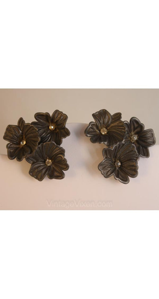 Flamboyant 1950s Pewter Gray Flower Earrings - Spring Gray Plastic 1950s Classic Blooms - Clip Earring - New-Old Stock - Dimensional - 34796
