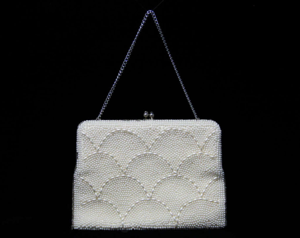 FINAL SALE 60s White Pearly Handbag with Scalloped Design - Bead Style Scallops 1960s Purse - Optional Chain Strap - As Is Best For Costume