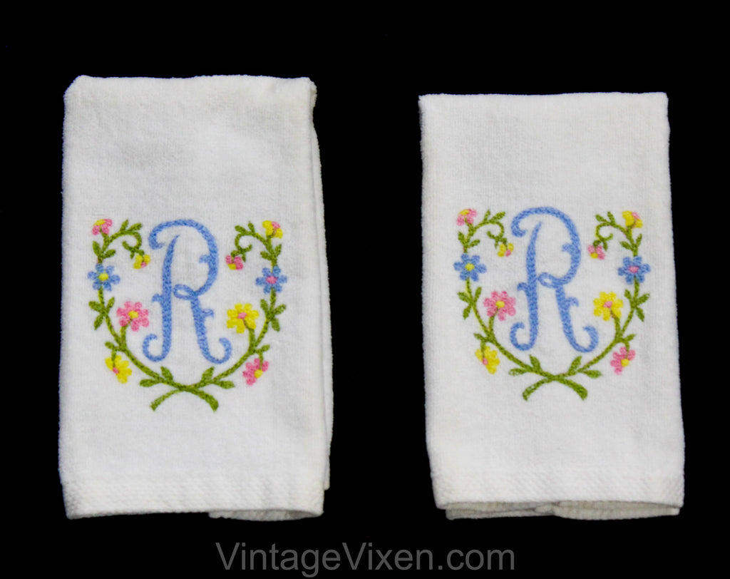 1950s Bathroom Hand Towels - Letter R Monogram Powder Room Novelty Linens - 50s 60s Cotton Bath Pair by Springmaid - White Pink Blue Yellow