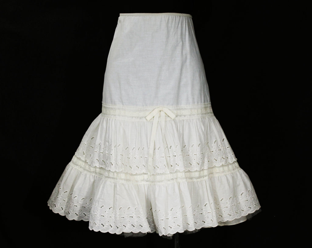 Peasant Style 1950s White Petticoat - Large Summer Cotton Crinoline - Size 12 Full Flounced Underskirt with Eyelet Lace - Waist 30 to 36