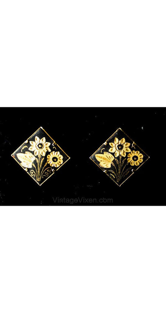 1940s Damascene Black & Gold Square Earrings - 40s Romantic Goldtone Clips - Etched Flowers on Metal - Clip On Earrings - 39054-1