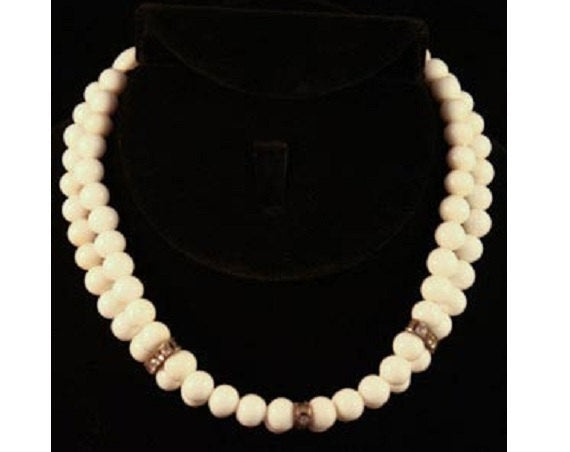 Lovely 1950s White Glass Beaded Choker with Rhinestone Accents - Spring Necklace Glass Beads - 1950s Glamour - Classic Jewelry - 35582-1