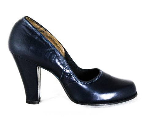 Size 6 1940s Navy Shoes - Dark Blue Leather Pumps with Classic Design - WWII Era 40s Deadstock High Heels - Size 6A and 6AA Narrow MISMATCH