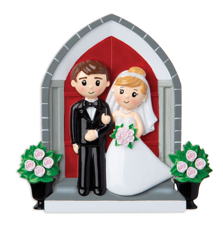 OR1879 - Wedding Couple in Front of Church Personalized Christmas Ornament