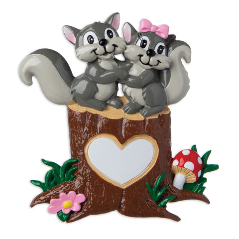 OR1890-SQ - Squirrel Couple On Tree Trunk with Heart Personalized Christmas Ornament