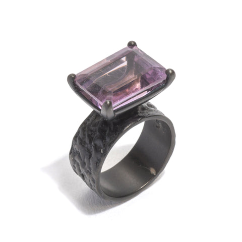 Gorilla Skin Rectangular Amethyst (Black) Ring by Lisa Roet