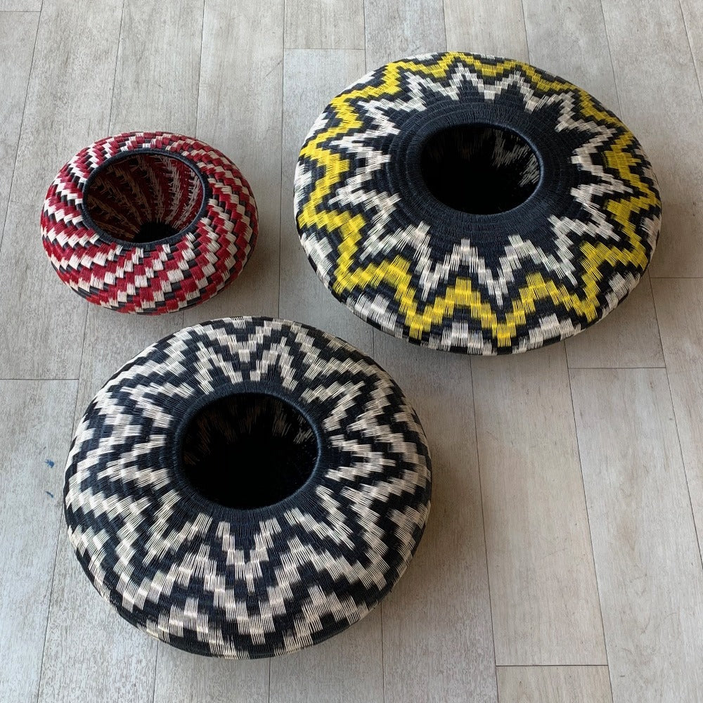 Indigenous Wounaan Art Vase Bowl from Colombia. Handmade & Fair Trade. Black & White Flower design