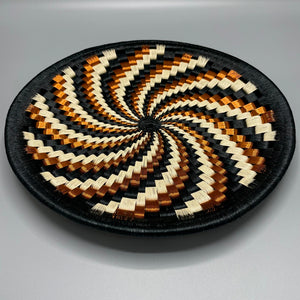 WP036.jpg  1000 × 1002px  Indigenous Wounaan Art Plate from Colombia. Handmade & Fair Trade. Black & Beige & Copper Wire in Spiral Design.. Chunga Palm basket