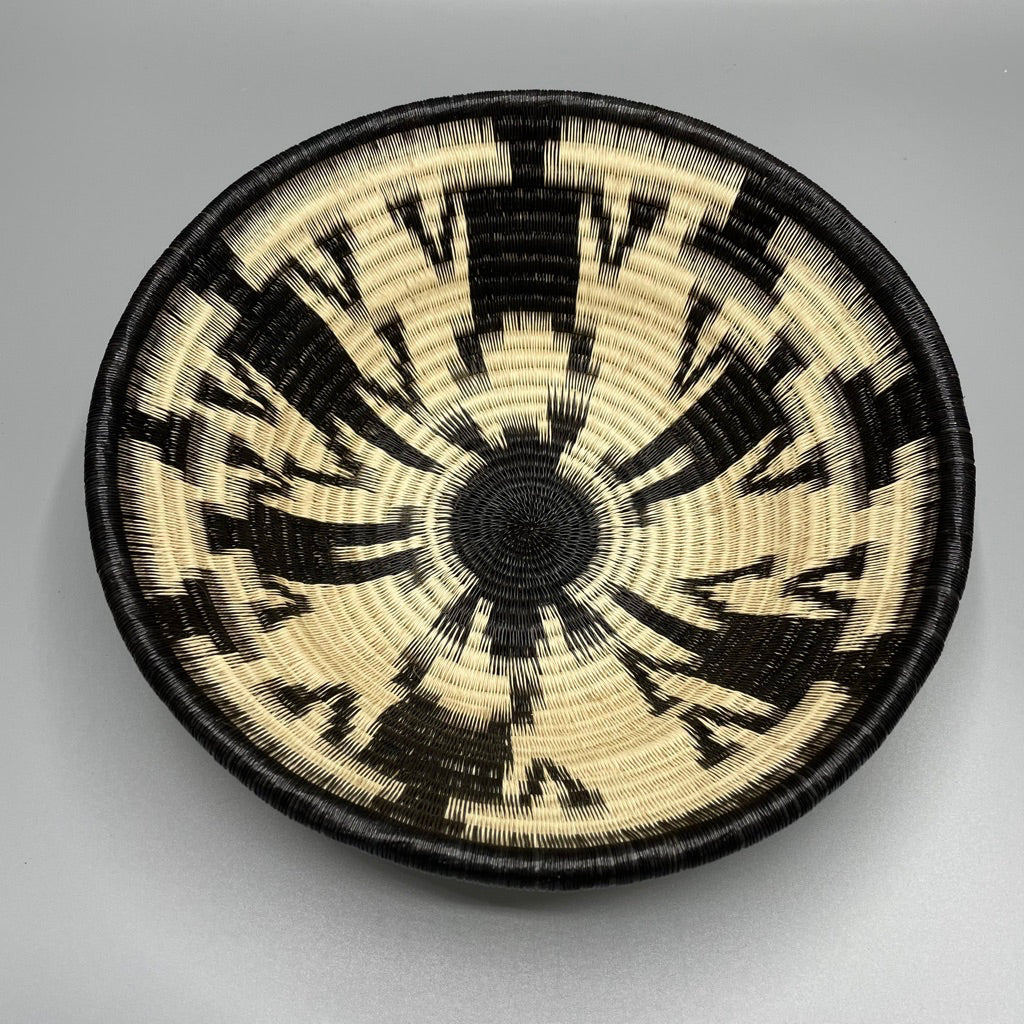 Indigenous Wounaan Art Plate from Colombia. Handmade & Fair Trade. Black & white Bowl. Chunga Palm basket
