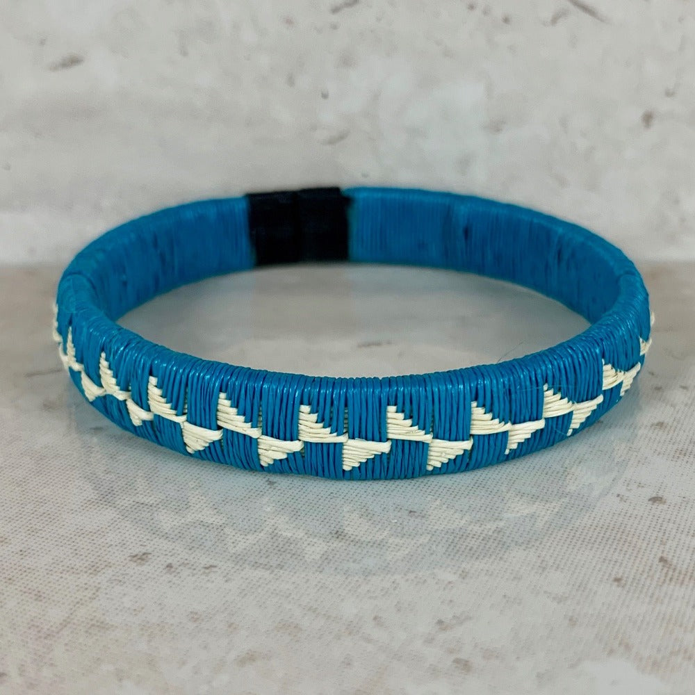 Friendship Bracelet - Blue Flower design