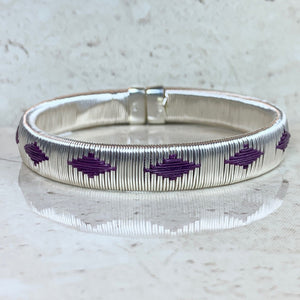 Silver Purple bangle bracelet colombia wounaan ethical sustainable jewelry fashionista casual luxury elegant sophisticated island