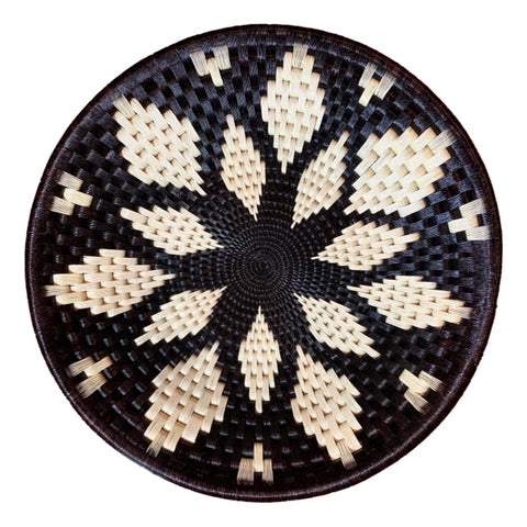 Wounaan Folk Art Plate Basket WP056 - White & Blk Flower - Unique Handmade Gift