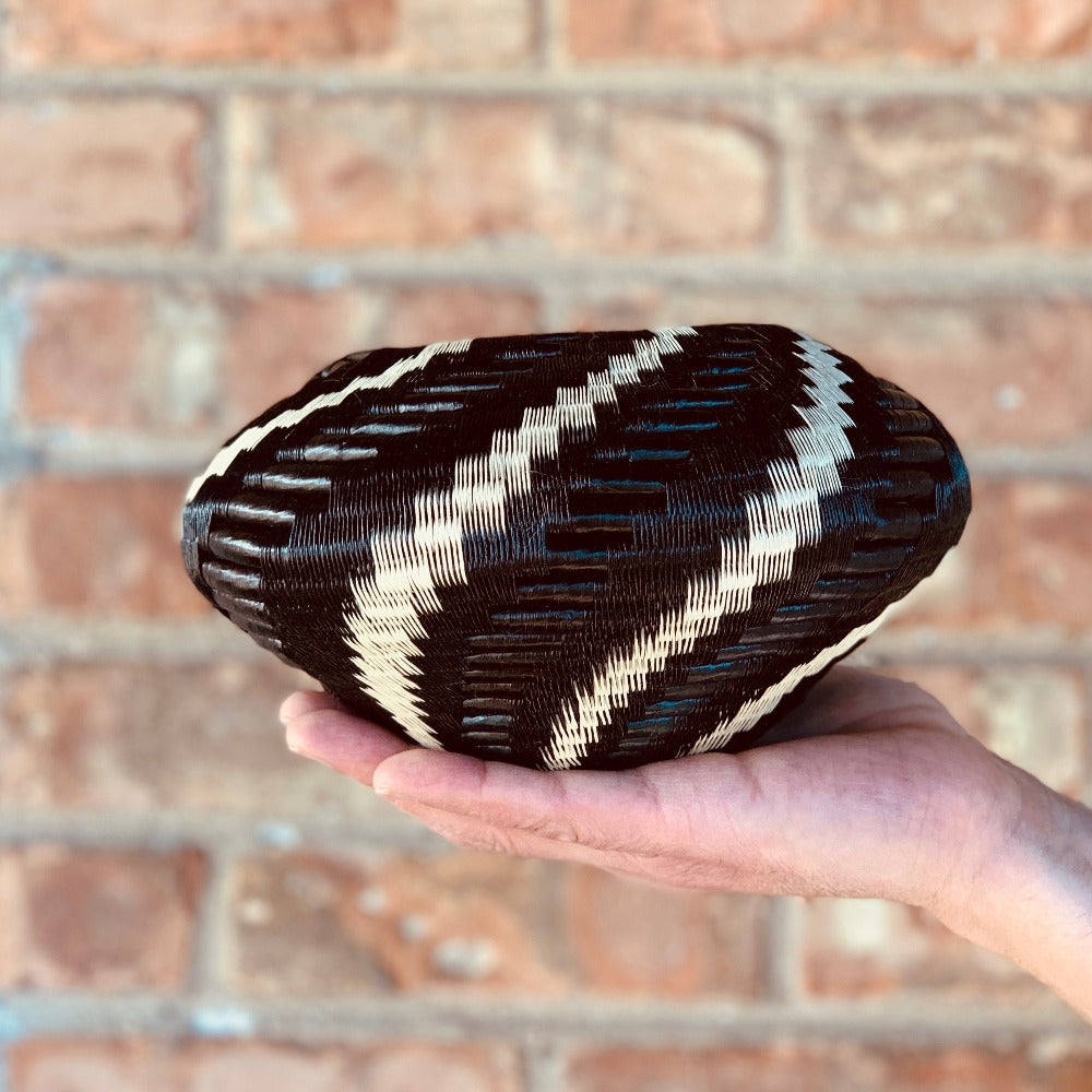 Indigenous Wounaan Art Vase Bowl from Colombia. Handmade & Fair Trade. Black & White spiral design