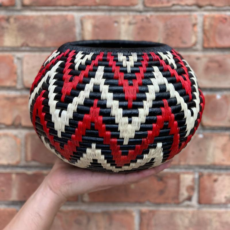 Indigenous Wounaan Art Vase Bowl Basket from Colombia. Handmade & Fair Trade. Black & White & Red Mountain design
