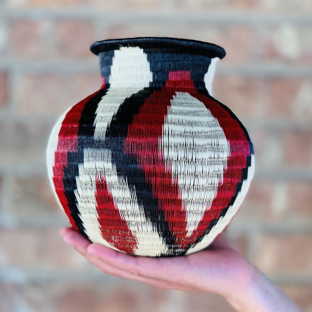Wounaan Fine Art Vase Basket WV057 - Unique Handmade Gift