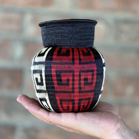 Wounaan Folk Art Vase Basket WV060 - Unique Handmade Gift