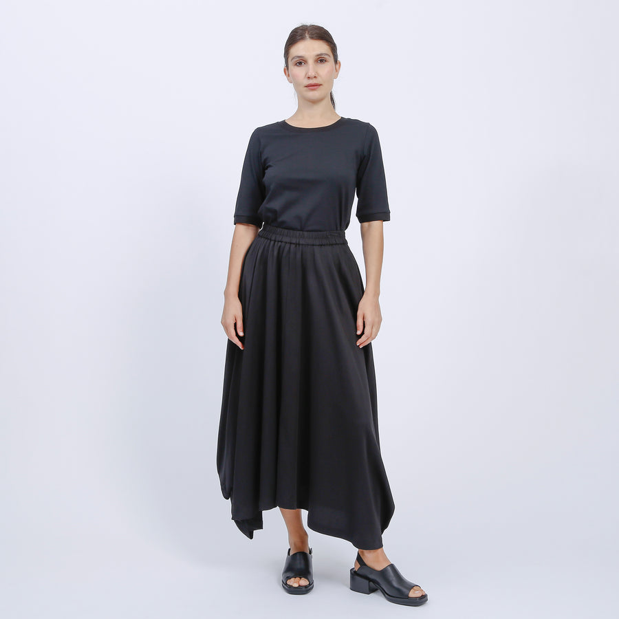 TAHNEE SKIRT / BLACK