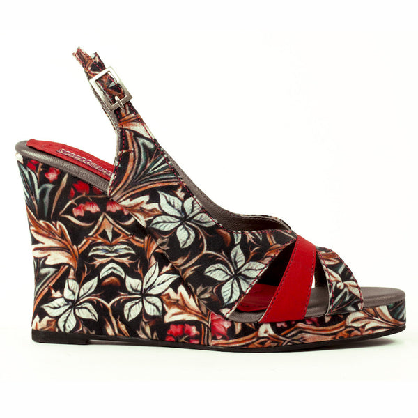Fabulloso Mozambique Red wedge heels